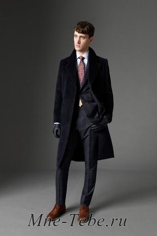 Самый лучший вариант на все времена - это пальто в классическом стиле